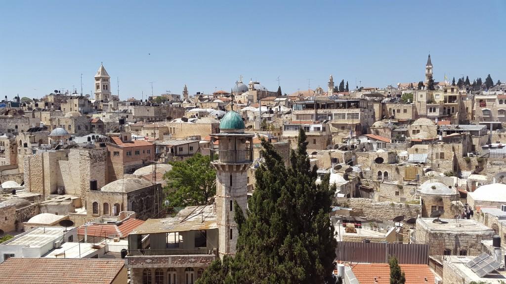 Вид с крыши здания бывшего австрийского хосписа в старом иерусалиме